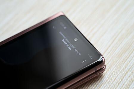 Samsung Galaxy Z Fold 2 02 Pantalla Secun 04