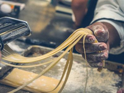 ¿Realmente engorda tanto la pasta? Un nuevo estudio reabre el debate