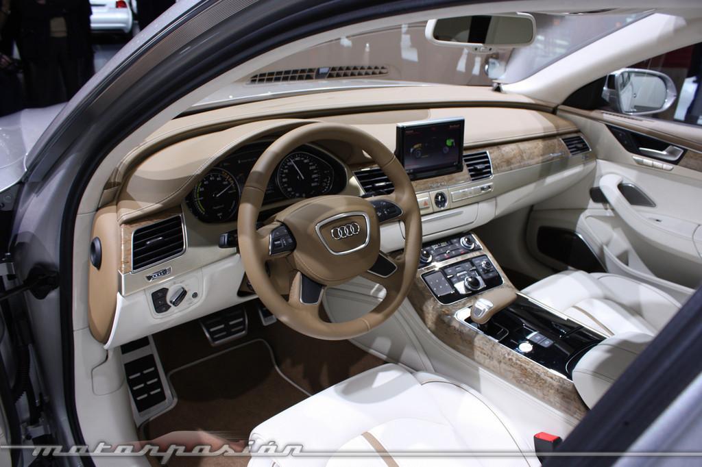 Foto de Audi A1 y A8 híbridos en el Salón de Ginebra (8/18)