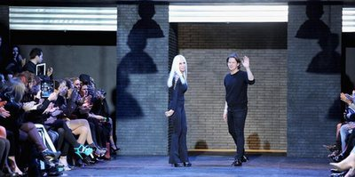 PPR  integra Christopher Kane  entre sus marcas de moda
