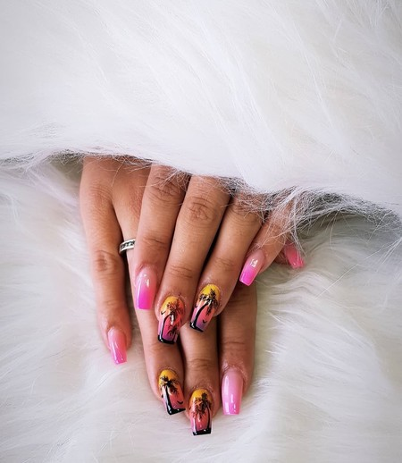 Celebramos la llegada del verano llenando nuestras uñas de palmeras paradisíacas: ¡el nail art de moda!