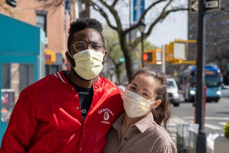 EEUU retira la mascarilla a vacunados con el 35% de la población inmunizada: una medida prematura (en interiores) según la ciencia