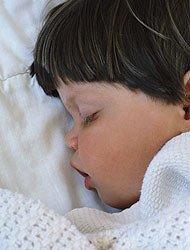 La apnea infantil puede producir daños neurológicos