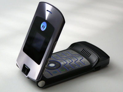 La posibilidad de ver el regreso de la línea Motorola RAZR sigue viva, el CEO de Lenovo da nuevas pistas
