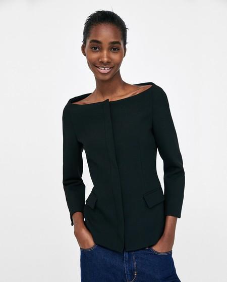 Así es la blazer más sexy de todos los tiempos, de menos de 50 euros, que Zara ha inspirado en Dior