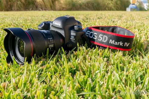 Canon EOS 5D Mark IV, análisis: una réflex continuista, algo más más completa y también más cara