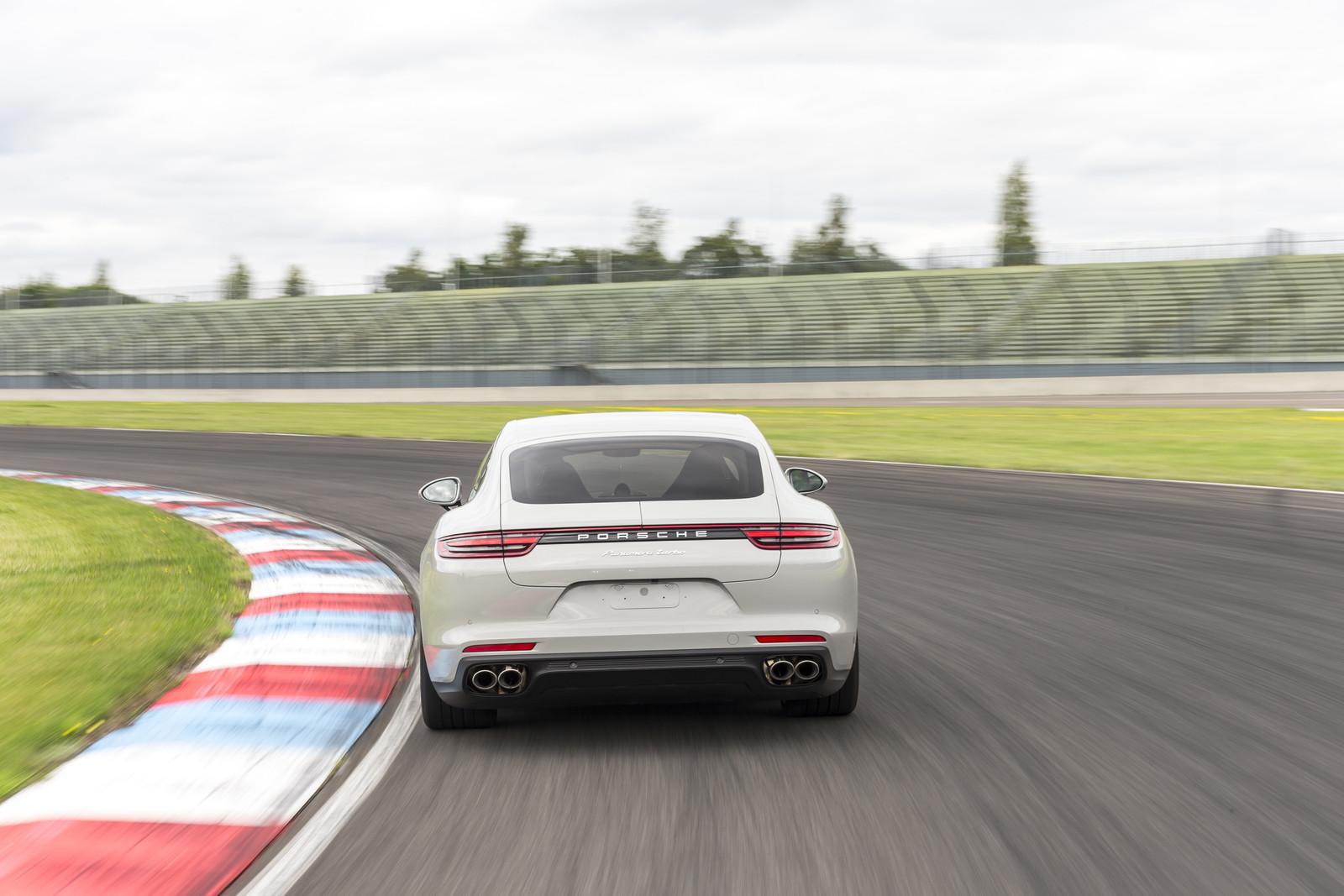Foto de Porsche Panamera 2017 (9/130)