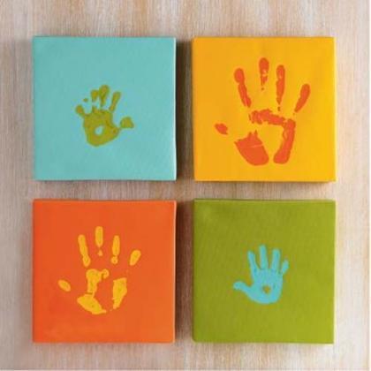 Deja que los niños te ayuden a decorar: sus manos como decoración