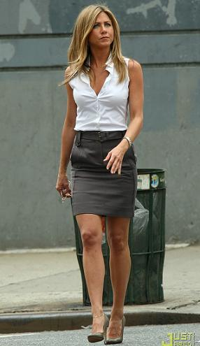 jennifer aniston falda lapiz