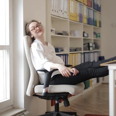 Qué silla para trabajar y jugar comprar: recomendaciones de ergonomía, comodidad y 13 sillas gaming y oficina desde 80 euros
