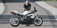 Nuevo récord en Nürburgring, 7 minutos y diez segundos con una moto de hace siete años