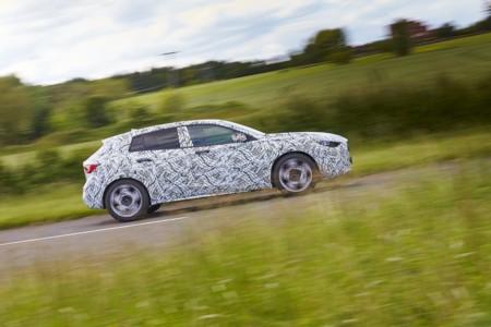 El Infiniti Q30 va directo contra el Serie 1 y debutará en el Auto Show de Frankfurt