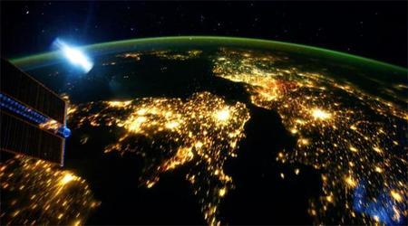 Este increíble timelapse nos enseña qué se siente al dar la vuelta a la Tierra «a lomos» de la Estación Espacial