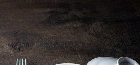 Muslos de pollo al horno con frutas secas y patata violeta. Receta