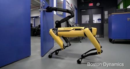 El perro-robot de Boston Dynamics, SpotMini, ahora es capaz de abrir puertas y escapar
