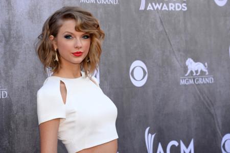 ¡Taylor Swift se desmelena! Hasta parece joven y seductora