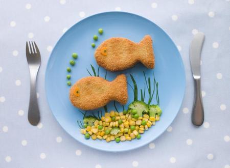 Plato de pescado para niños