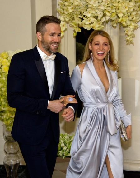 Blake Lively y Ryan Reynolds, una pareja de guapos en la Casa Blanca