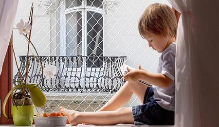 Todo lo que necesitas saber en casa sobre seguridad si tienes un bebé y cómo adaptar los muebles a medida que crecen los niños
