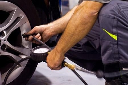 ¿Cada cuánto tiempo revisas la presión de inflado de los neumáticos? La pregunta de la semana