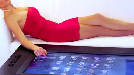 La mesa interactiva de Mozayo, elegancia y tecnología para el salón más exquisito
