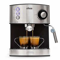 La cafetera Ufesa CE7240 en su precio mínimo en Amazon: 89,99 euros por una cafetera que funciona con café molido y con cápsulas