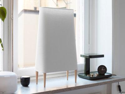 Un lámpara de diseño escandinavo que también es purificador de aire