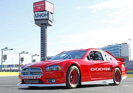 Dodge presenta su Charger para la temporada 2013
