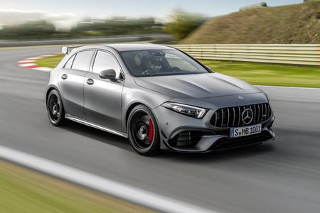 El nuevo Mercedes-AMG A 45 estrena aspecto y ahora ofrece dos sabores, con 387 o 421 CV