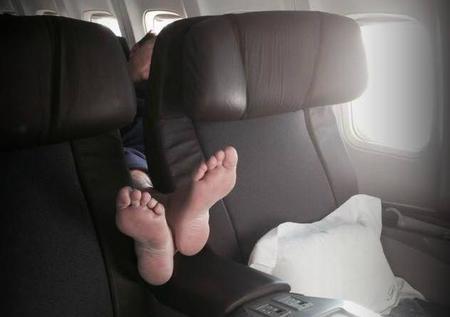 Quince terribles pasajeros de avión con los que no te gustaría coincidir