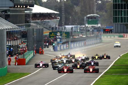 Si con dos coches por equipo no llenamos una parrilla de Fórmula 1, ¡ponemos tres!