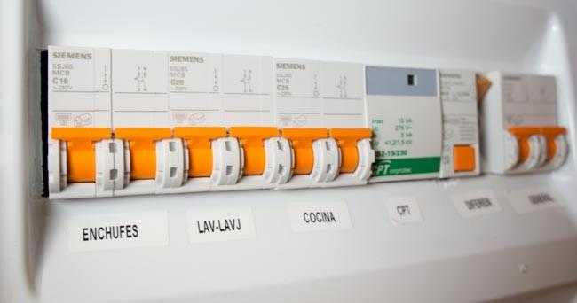 Conociendo el cuadro el ctrico de casa for Cuadro electrico de una vivienda