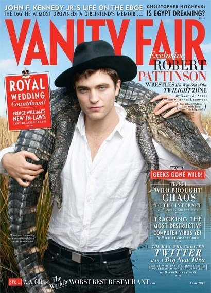 Robert Pattinson para Vanity Fair: a base de insistir en el look, vamos mejorando