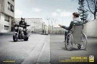 ¿Por qué los motoristas o los camioneros se saludan en la carretera?