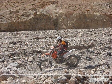 Cauce río de piedras