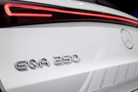 Mercedes Eqa 05