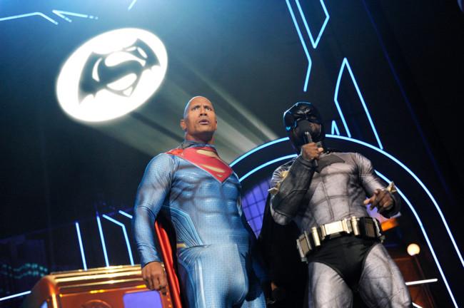 Dwayne Johnson y Kevin Hart en los MTV Movie Awards 2016