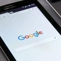 """Google recibe una multa récord de 500 millones de euros en Francia por no negociar """"de buena fe"""" una retribución a los medios"""