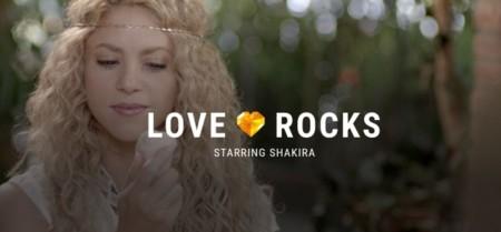 Shakira revoluciona el estudio de Angry Birds: ¡menos pájaros y más rocas!