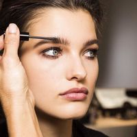 Ocho productos para maquillar tus cejas de manera fácil y rápida