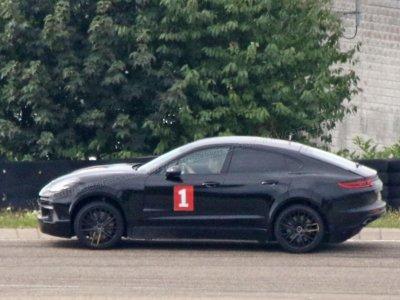 ¿Un Porsche Cayenne Coupé en pruebas para cazar Mercedes GLE Coupé y BMW X6?
