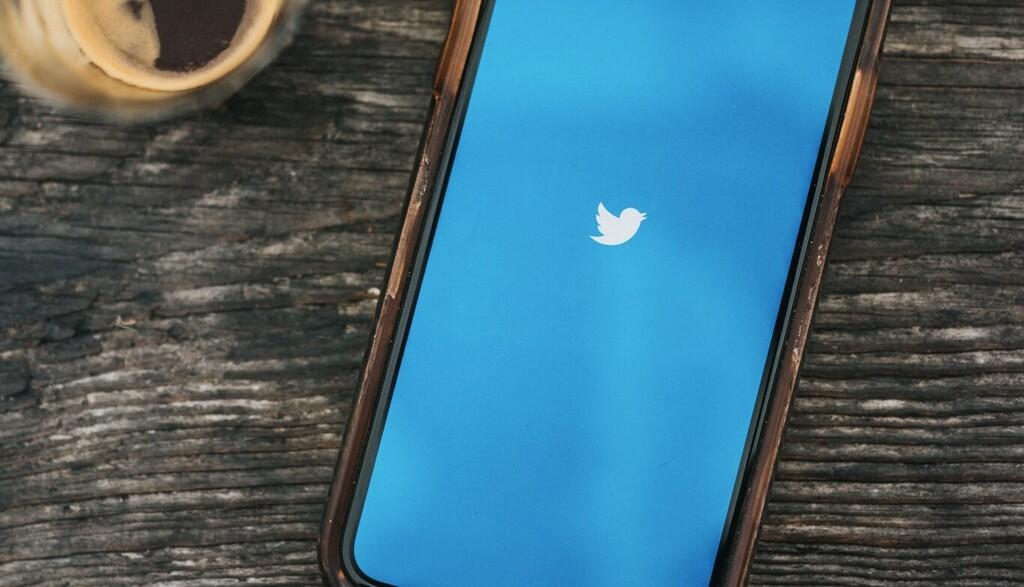 La integración de los nuevos Super Follows de Twitter con los pagos de la App Store puede ser la más rara jamás vista en la tienda