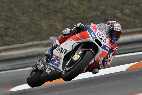 Andrea Dovizioso y su Ducati vuelven a meter miedo en Austria con el mejor tiempo del viernes