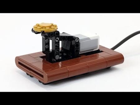 Convierte Morse a texto impreso con este telégrafo Lego