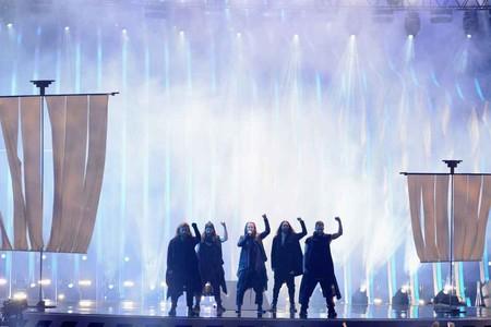 El total black look se impuso como código de estilo en la final de Eurovisión