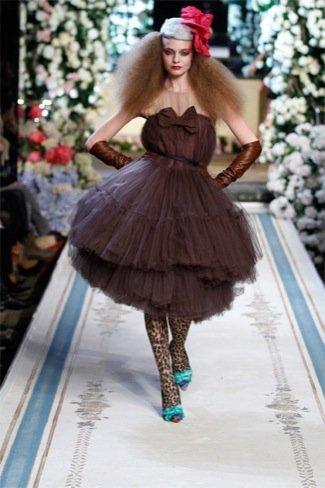 Lanvin HM, colección Alta Costura, vestido marron