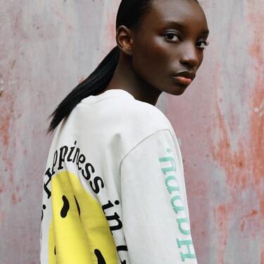 La nueva colección de Zara en colaboración con Smiley nos deja con prendas que podrían estar sacadas del merchandising de Kanye West