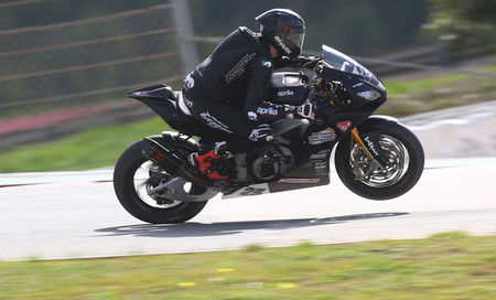 Aprilia vuelve al mundial de Superbikes dos años después de la mano del equipo Nuova M2 Racing y como 'wildcard'