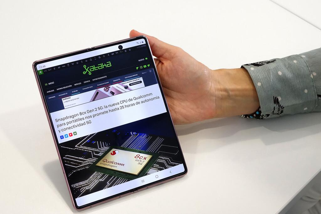 El Samsung™ Galaxy™ Z Fold dos se actualiza en Alemania(pais) con Android™ once y One UI 3.0