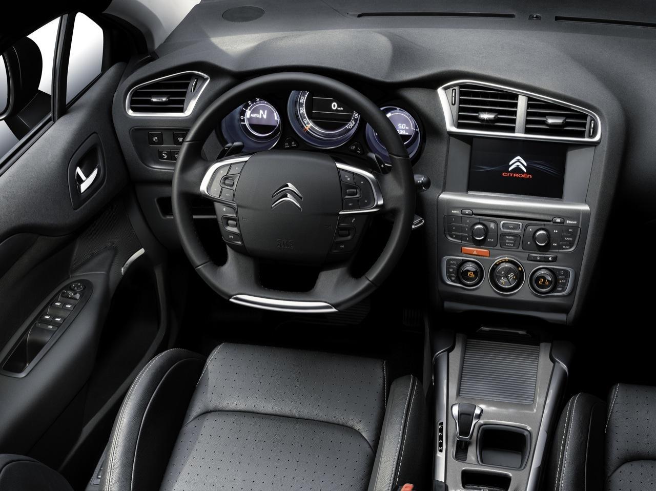 Foto de Citroën C4 2011 (13/40)